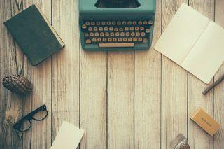 Typewriterphoto-1432821596592-e2c18b78144f