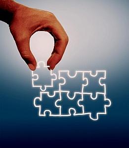 Hand-assembling-jigsaw-on-virtual-screen