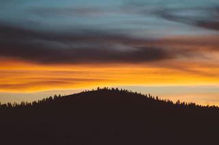 Mountainsunsetphoto-1434139240289-56c519f77cb0